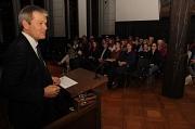 Oberbürgermeister Dr. Thomas Spies freute sich, anlässlich von 100 Jahren Frauenwahlrecht zu einem Abendvortrag im Rathaussaal zu begrüßen.