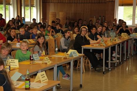 In der Aula der Kaufmännischen Schulen kam das elfte Kinder- und Jugendparlament der Universitätsstadt Marburg zu seiner konstituierenden Sitzung zusammen.©Stadt Marburg, i. A. Heiko Krause