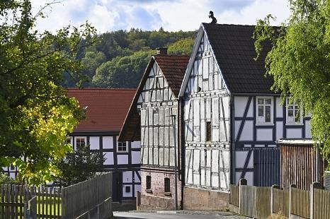 1133 wurde der Bauerbach erstmals urkundlich erwähnt und gehört seit 1970 zur Universitätsstadt Marburg.©Georg Kronenberg