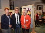 Bürgermeister Dr. Franz Kahle (Mitte) sowie die Frauen - und Gleichstellungsbeauftragte der Universitätsstadt Marburg, Dr. Christine Amend-Wegmann, begrüßten die Referentin Prof. Dr. Muthgard Hinkelmann-Toewe von der Universität Fulda, die zur Eröffnung d