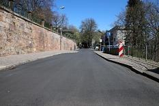 Die Straße Barfüßertor hat einen neuen Fahrbahnbelag erhalten.©Stefanie Ingwersen, Stadt Marburg