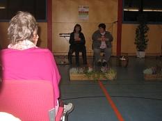 2 Damen der Theater AG spielen©Bernd Weimer
