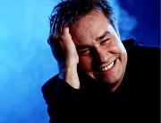 Kabarettist Lars Reichow wird statt im September nun im nächsten Juni im neuen Erwin-Piscator-Haus auftreten.