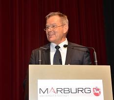 Klare Worte gegen Rassismus, Rechtsextremismus und gesellschaftliche Risse sprach Oberbürgermeister Dr. Thomas Spies.©Stadt Marburg, Birgit Heimrich