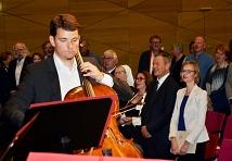 Das Kammerensemble der Jungen Marburger Philharmonie spielte das Haydn-Streichquartett Nr. 62, zu dessen Klängen der Saal die Nationalhymne sang.