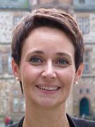 Dr. Nicole Pöttgen ist die neue Leiterin des Fachbereichs Zentrale Dienste der Universitätsstadt Marburg.