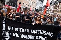 Langer Demonstrationszug durch die Stadt: Rund 7500 Menschen setzten in Marburg ein starkes Zeichen gegen Rechtsextremismus.