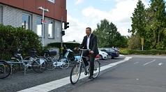 """Oberbürgermeister und Radfahrer Dr. Thomas Spies bezeichnete die Auszeichnung als bester """"Aufholer"""" als """"Anerkennung und Auftrag""""."""