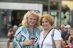 Akademieleiterin Britta Sprengel mit Anemone Pohland ehemalige Künstlerische Leiterin für den darstellenden Bereich©Georg Kronenberg