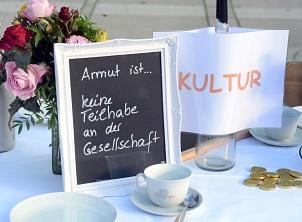 """Aktionstag 2020 """"Gemeinsam handeln gegen Armut""""©Universitätsstadt Marburg"""