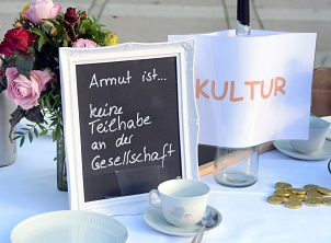 """Aktionstag 2020 """"Gemeinsam handeln gegen Armut""""©Nadja Schwarzwäller i.A.d. Stadt Marburg"""