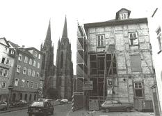 Umbau des Amerikahauses ab 1986 mit Freilegung der Außenwände und sichtbaren Fachwerk.
