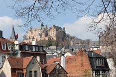 AquaMar - Blick auf die Altstadt mit dem Schloss auf der Höhe im Hintergrund©Universitätsstadt Marburg - Rolf Klinge
