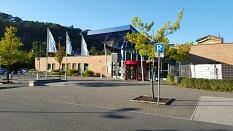 AquaMar Marburg - Haupteingangsbereich mit dem Vorplatz©Universitätsstadt Marburg - Rolf Klinge