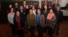 Oberbürgermeister Egon Vaupel (hinten 3. v. links) rief gemeinsam mit den Kandidatinnen und Kandidaten zur Ausländerbeiratswahl am 29. November auf.