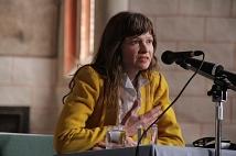 Die Künstlerin Philippinne Schaefer betonte, dass für die Freiheit eingetreten werden müsse.