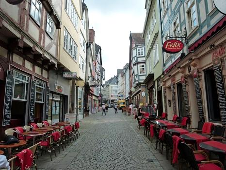 Die Stadtwerke Marburg werden in zwei Bauabschnitten die Wasser- und Gasversorgungsleitungen in der Barfüßerstraße erneuern.©Philipp Höhn, Stadt Marburg