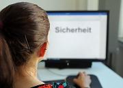 4000 Marburger*innen erhalten in den kommenden Tagen einen Brief mit den Zugangsdaten zu dem KOMPASS-Fragebogen. Er wird online ausgefüllt.