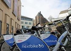 Beste Note für öffentliche Räder in Marburg: Die Stadt stellt Räder aus dem Verleihsystem Nextbike für alle Nutzer*innen eine halbe Stunde kostenlos zur Verfügung.©Thomas Steinforth, Universitätsstadt Marburg