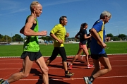 Laufend in Bewegung: Beim Bewegungs- und Gesundheitstag hatten die Beschäftigten der Marburger Stadtverwaltung Gelegenheit, sich sportlich zu betätigen. Hier die Laufgruppe mit Oberbürgermeister Dr. Thomas Spies (Mitte).