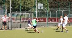 Packende Duelle beim Fußball im Soccer-Court des Georg-Gaßmann-Stadions.©Thomas Steinforth, Stadt Marburg