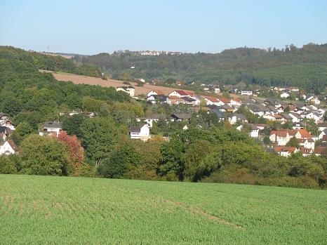 Blick über Haddamshausen zum Tannenberg©Anke Hahmann