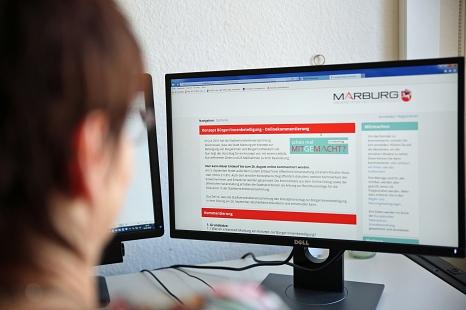 Bürger*innenbeteiligung findet in Marburg auf vielfältige Weise statt. Auch die Online-Umfrage zu MoVe35 reiht sich darin ein.©Patricia Grähling, Stadt Marburg
