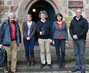Über die Ehrung der Partnerstadt Sfax freuten sich:  Bürgermeister Dr. Franz Kahle (Mitte) mit (von links) Balduin Winter (Freundeskreis Marburg-Sfax), Wiebke Lotz (Klimaschutzbeauftragte), Marion Kühn (Fachdienstleiterin Stadtgrün, Klima- und Naturschutz