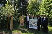Bürgermeister Wieland Stötzel (von links) präsentierte zusammen mit Achim Siehl, Wiebke Smeulders, Marion Kühn, Armando