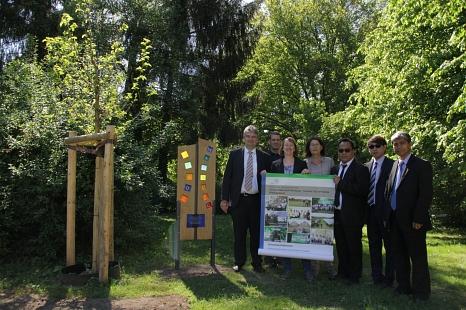 Bürgermeister Wieland Stötzel (von links) präsentierte zusammen mit Achim Siehl, Wiebke Smeulders, Marion Kühn, Armando©Heiko Krause i.A.d. Stadt Marburg