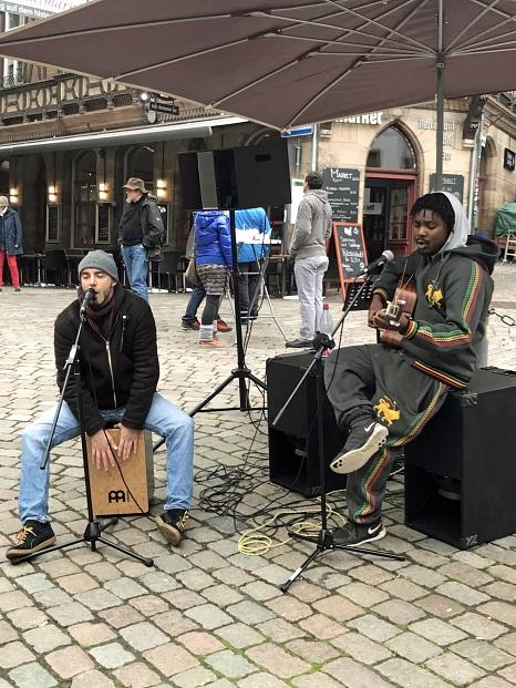 """Das """"Kultur Mobil"""" ermöglicht erneut am Samstag ab 11 Uhr auf dem Oberstadtmarkt den Auftritt von Musikern.©Ruth Fischer, Stadt Marburg"""