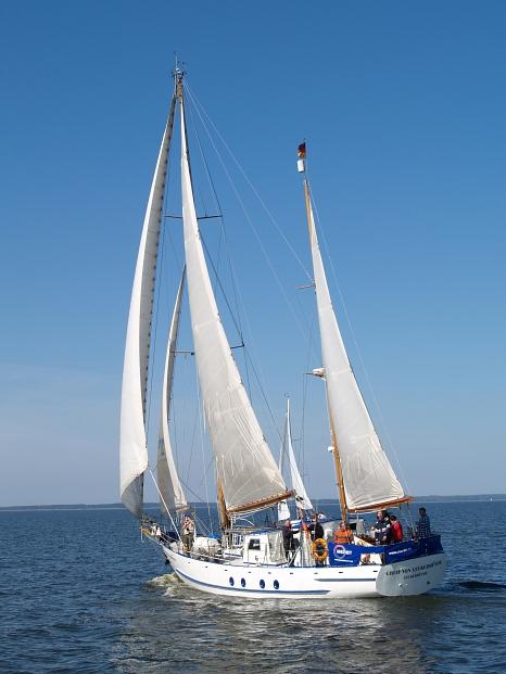 """Das Segelschiff """"Greif von Ueckermünde"""" ist eines der beiden Schiffe, die von den Jugendlichen während ihres Fünf-Tages-Segeltörns genutzt werden.©Foto Zerum Ueckermünde"""