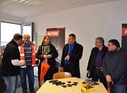 Oberbürgermeister Dr. Thomas Spies (Mitte) sowie Stadträtin und DBM-Dezernentin Dr. Kerstin Weinbach (3. v. l.) informierten sich mit Andreas Steih-Winkler (2. v. l.), Fachkraft für Arbeitssicherheit bei der Stadt Marburg, sowie Norbert Feyh (2. v. r.) un