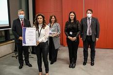 Der Friseur Haaribo hat in der Kategorie der kleinen Unternehmen auch in diesem Jahr wieder einen Preis beim Gütesiegel Interkulturelle Vielfalt LEBEN gewonnen.©Freya Altmüller, i.A.d. Stadt Marburg
