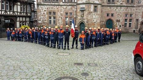 Der Marburger und der Poiteviner Feuerwehrnachwuchs stellte sich zu einem gemeinsamen Foto auf©Universitätsstadt Marburg