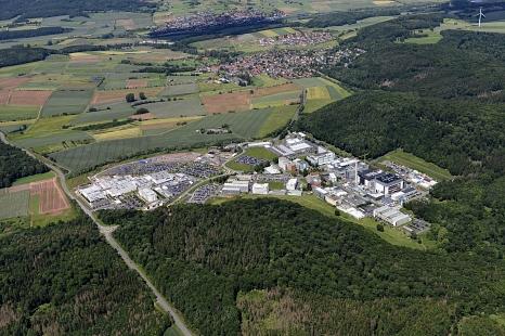 Der Standort Behringwerke soll mit Radwegen erschlossen werden. Die ersten Planungen für mögliche Radwegetrassen hat die Stadt Marburg nun vorgelegt. (Archivfoto: Juni 2019)©Georg Kronenberg
