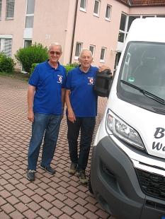 die Busfahrer des Bürgerbus Weimar freuen sich über ihr neues Fahrzeug©Bernd Weimer