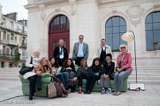 Die Marburger Delegation mit Poitvinern auf dem Sofa©Universitätsstadt Marburg