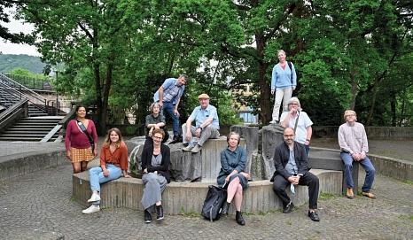 Die neue Kuratorin mit den Vertreter*innen der Marburger Kunst- und Kultureinrichtungen, die das Marburg800-Projekt mit dem Fachdienst Kultur auf den Weg brachten.©Georg Kronenberg