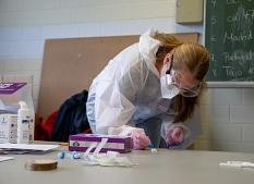 Die Stadt Marburg hat diese Woche einen Testlauf für den Einsatz von Schnelltests an Schulen unternommen.©Patricia Grähling, Stadt Marburg