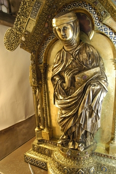 Elisabethschreib - Heilige Elisabeth in Gold©Universitätsstadt Marburg