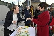 Nur ein kleines Stück vom Kuchen haben Frauen bei einer Performance zum Equal Pay Day 2019 in Marburg bekommen.