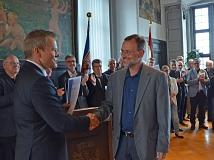 Der neue Ortsvorsteher in Bortshausen ist Bernhard Zieske (r.).