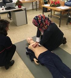 Erste-Hilfe-Kurs im Portal Gisselberg für Geflüchtete©Universitätsstadt Marburg