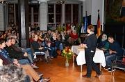 Zuhören und mehr erfahren, dass wollten über 200 Marburgerinnen und Marburger beim Erzählcafé im bis auf den letzten Platz gefüllten Historischen Rathausaal, als Flüchtlinge aus ihrem Leben berichteten.