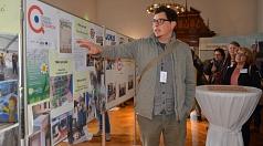 Christian Messerschmidt vom Bewohnernetzwerk für Soziale Fragen (BSF) stellte die in der ersten Förderperiode des Europäischen Sozialfonds umgesetzten Projekte am Richtsberg vor.