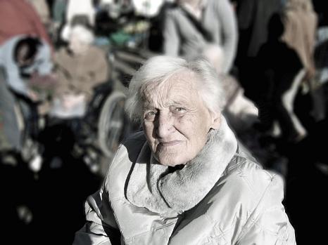 """Die Stadt Marburg lädt zum Fachtag """"Gewaltprävention in der Pflege""""©Pixabay"""