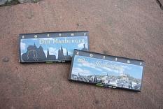 """Marburger Faire Stadtschokoladen: """"Die Marburgerin"""" und """"Der Marburger""""©FD Umwelt; Fairer Handel und Abfallwirschaft"""