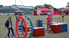 Jonglage, Balancieren, Laufrad – abwechslungsreichen Zirkusspaß gibt es bei den Spielmobilen im Georg-Gaßmann-Stadion