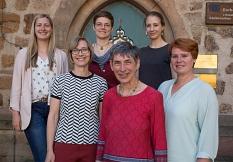 Das Forschungsteam beesteht aus Mandy Lauer, Prof. Dr. Susanne Gerner, Laura Griese, Anneliese Mayer, Johanna Zühlke und Dr. Christine Amend-Wegmann.©Stadt Marburg, Patricia Grähling